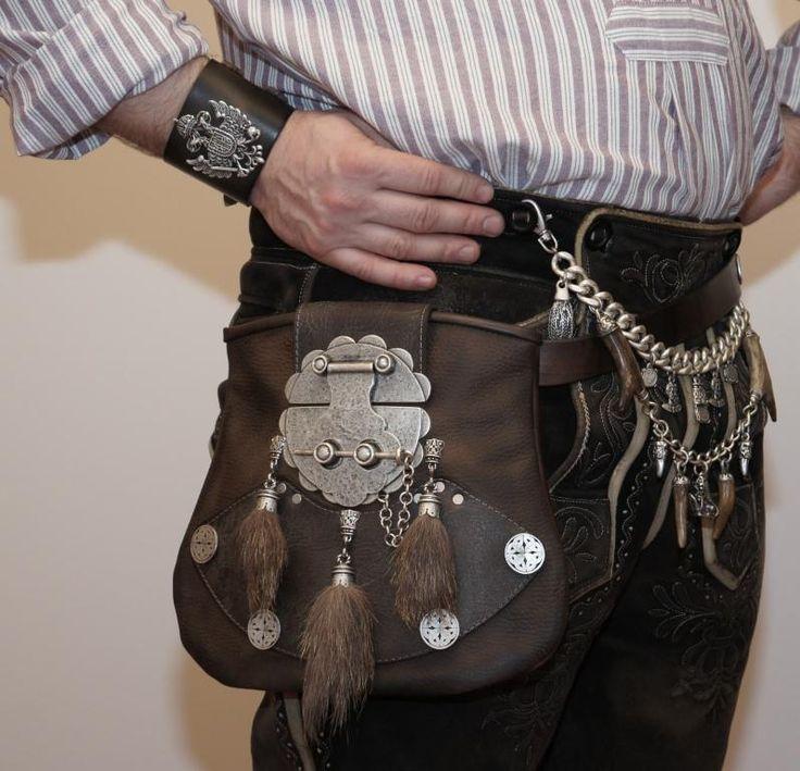 """leather pants and more (  Ledertasche Herren Tracht Kilttasche Lederhose Gürtel sur Ebay, folklore autrichien """"ré-adapté"""" ...)"""
