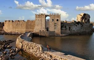 The Strongholds of the Peloponnese – Methoni, Koroni fortresses & Pylos Town