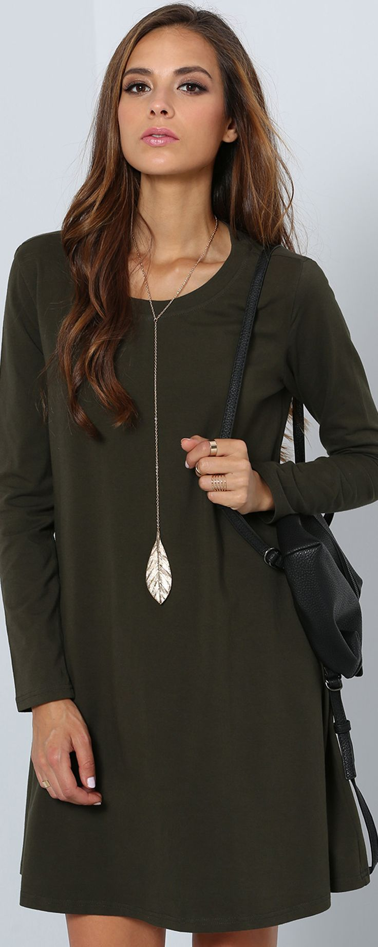 Are you prepared for this comfort fall? Bring this short jersey dress with your heels to get a easy style fix. This basic casual one is made in dark green jersey ,square neck,Long Sleeve and shift Silhouette meet your fashion need.Find more favorite shift dress at SHEIN.com.