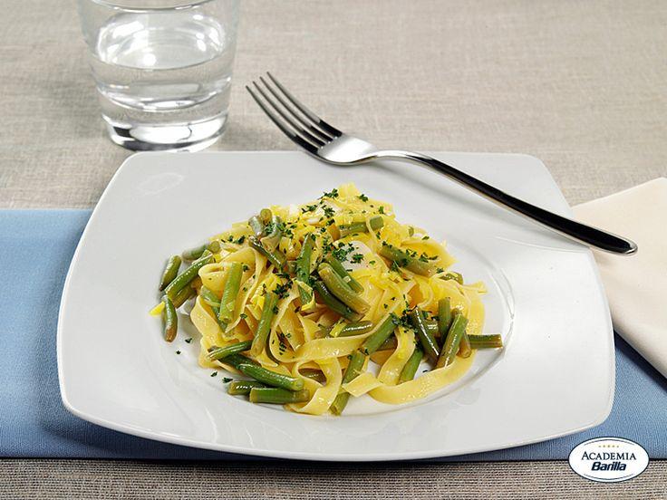 Fettuccine all'Uovo con gamberi e verdure