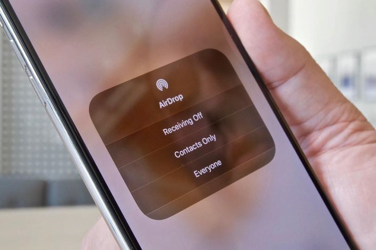 Stop sending files with email and use AirDrop to transfer photos, documents and more to Apple devices