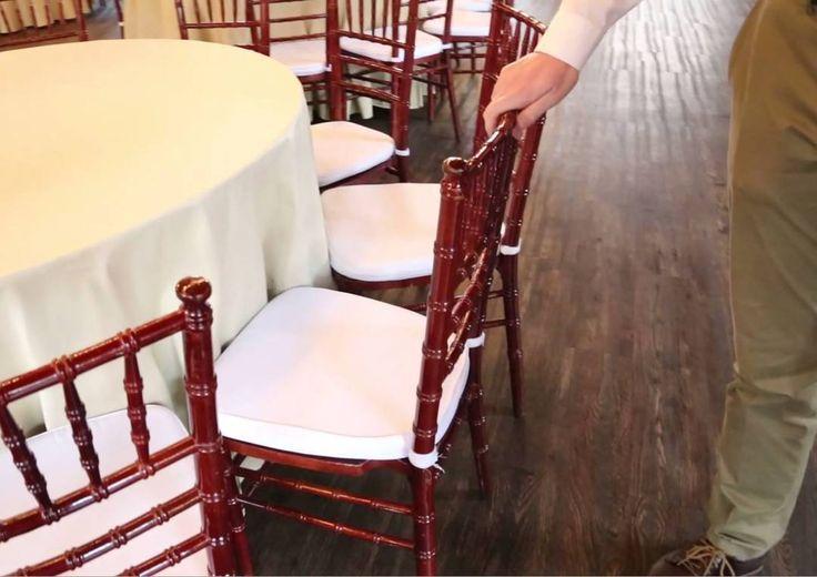 Кадры из 11-й программы #деловидение. @nikitakoscheev и @bogatyrev_kirill в этом году проведут 850 мероприятий в своей сети из четырёх свадебных ресторанов под маркой @vesenniy. В самый свежий свадебный лофт вложено 10 млн рублей. Половина уже отбилась вторая  отобьётся в этом году. Предприниматели поделились секретами своего бизнеса с @oleganisimov. #весенний #vesenniy #Россия #Питер #санкт_петербург #бизнес #дело #свадьба #олеганисимов #oleganisimov #Russia #Moscow #видео ##санктпетербург…