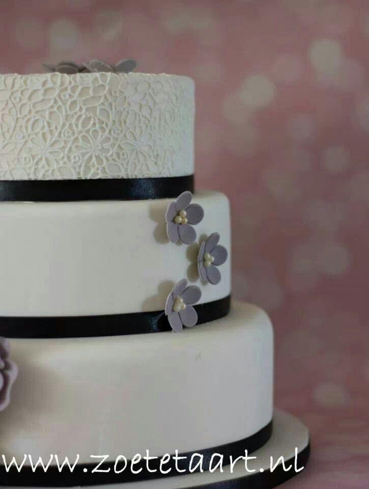 Bruidstaart zwart wit
