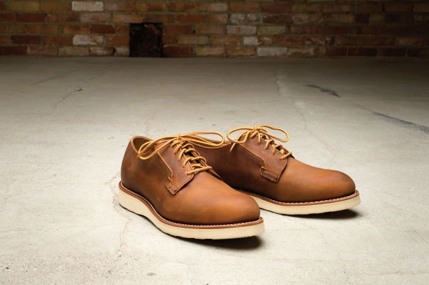 RED WING HERITAGE DEBUTS TWO NEW ADDITIONS TO ITS POSTMAN OXFORD LINE
