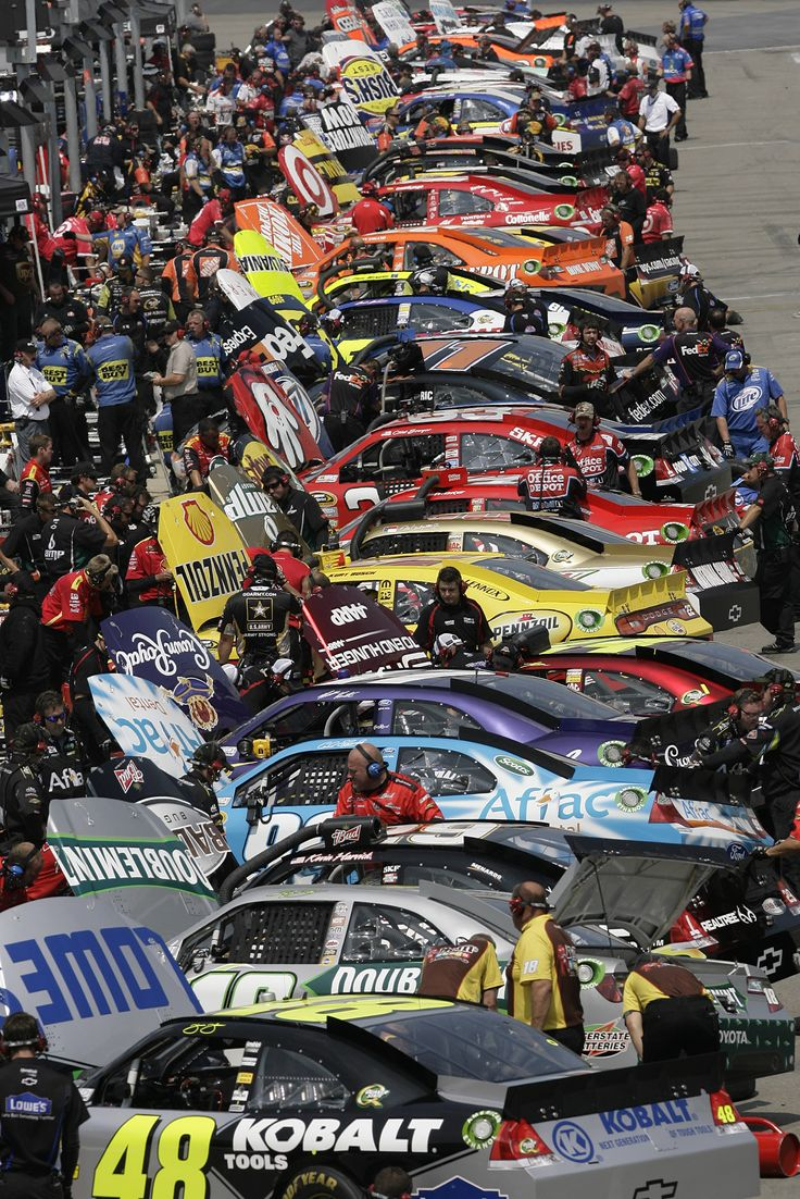 nascar racing teams Daytona beach, fla (sept 12, 2018) - to celebrate the 2018 nascar playoffs™, nascar®, monster energy nascar cup series™ race teams in collaboration with the race team alliance and twitter .