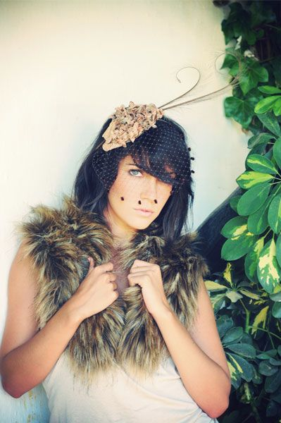 #tocado #Cherubina #headpiece #tocado #boda #wedding #hat #sombrero #flores terciopelo plumas Ref. 02.28