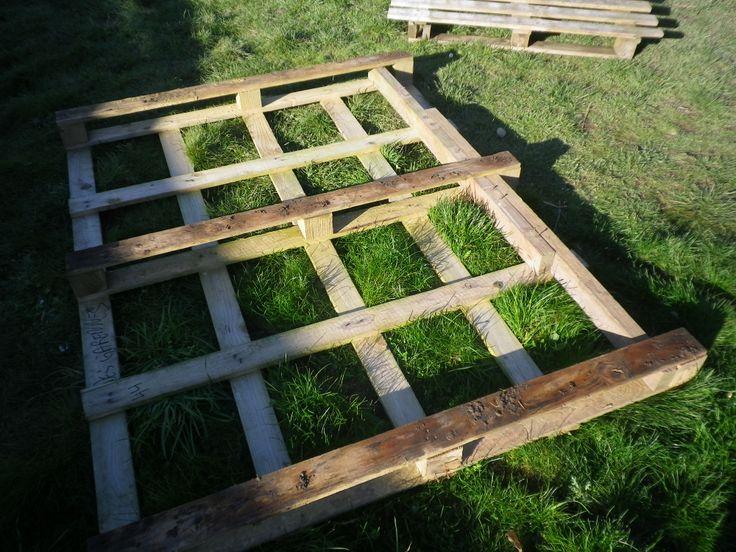 Poulailler haut en bois de r cup palettes chevrons for Recup palette jardin