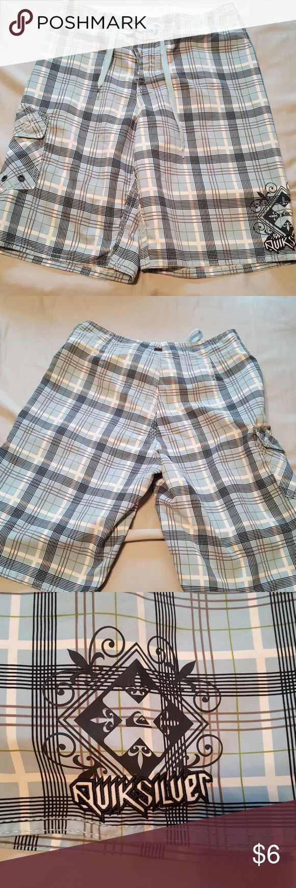 Quicksilver  boys shorts Tag has been vut out for comfort. EUC. Size large. Same day shipping!!! Quiksilver Bottoms Shorts