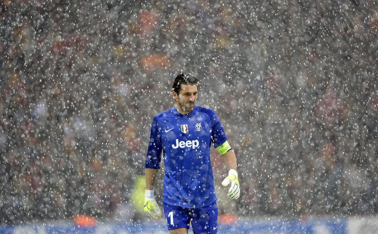 Gianluigi Buffon | Galatasaray vs. Juventus | 11-12-2013.