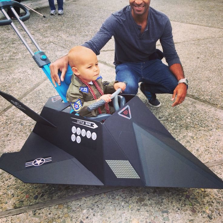 Toddler DIY toddler Halloween costume idea  - stealth jet fighter pilot.  Daddy went all out on this one! Ollie loved his airplane.
