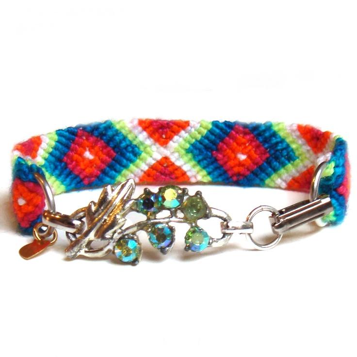 Frieda & Nellie- friendship bracelets & vintage jewelry