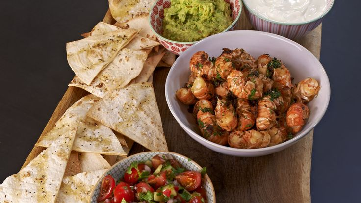 Mexican-style Prawns with Guacamole and Salsa – A delicious Mexican treat with a…