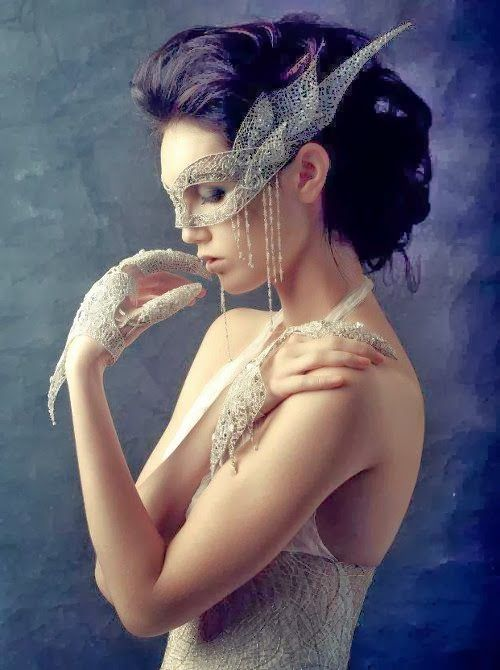 Luv to Look | Luxury Fashion & Style: To be pretty at the masquerade