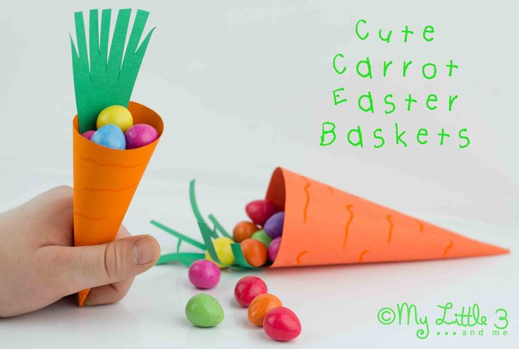 Cute Carrot Easter Baskets, free printable. Perfect for Easter egg hunts and just the right size for little hands. Munch, crunch!