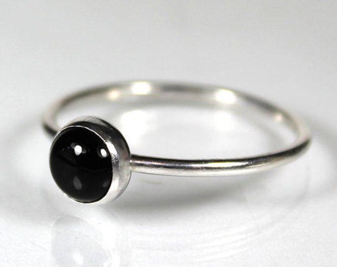 Anillo de ónice negro anillo de oro sólido de 14K piedras