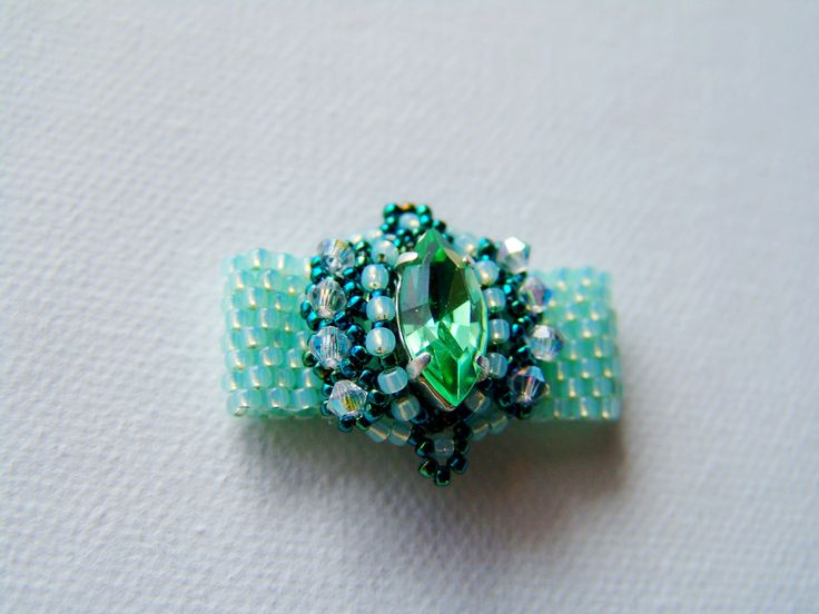 green navett ring