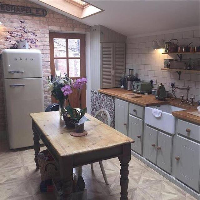 """4,484 Likes, 41 Comments - Farrow & Ball (@farrowandball) on Instagram: """"This south facing country kitchen is filled with beautifully bright light throughout the day.…"""""""