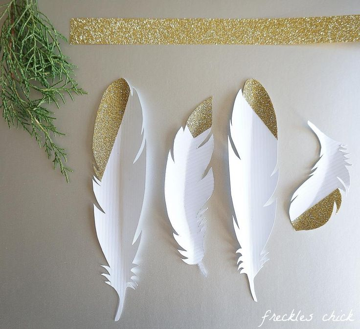 Holiday gift wrapping: festive & feathery