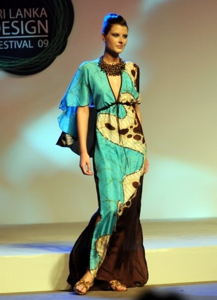 batik dress #maypambabymoon #josie maran