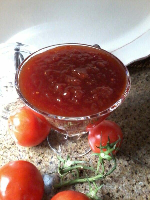 Doce de tomate.