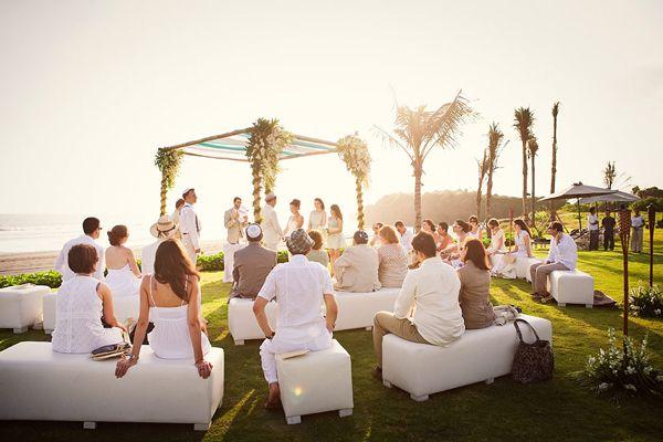 A Bali wedding venue that oozes style, elegance and luxury.   #Alila #villa #Bali #wedding #outdoor #party #beach