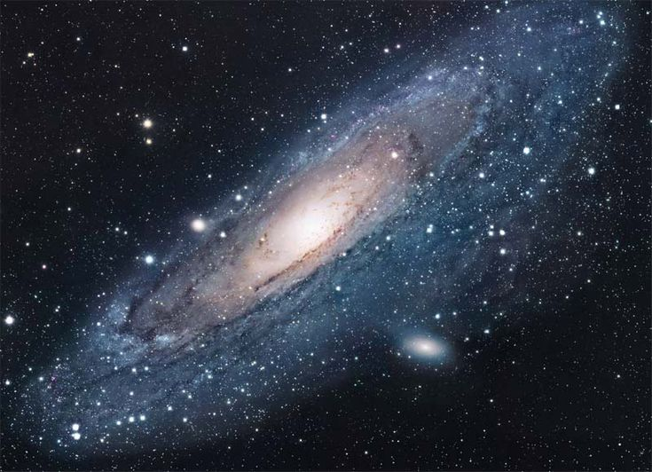 Le halo de gaz qui enveloppe la galaxie d'Andromède, l'une des plus proches voisines de la Voie lactée, serait 6 fois plus grand et 1 000 fois plus massif que ce que l'on imaginait.  La galaxie d'Andromède (Messier 31 ou M31) est l'une