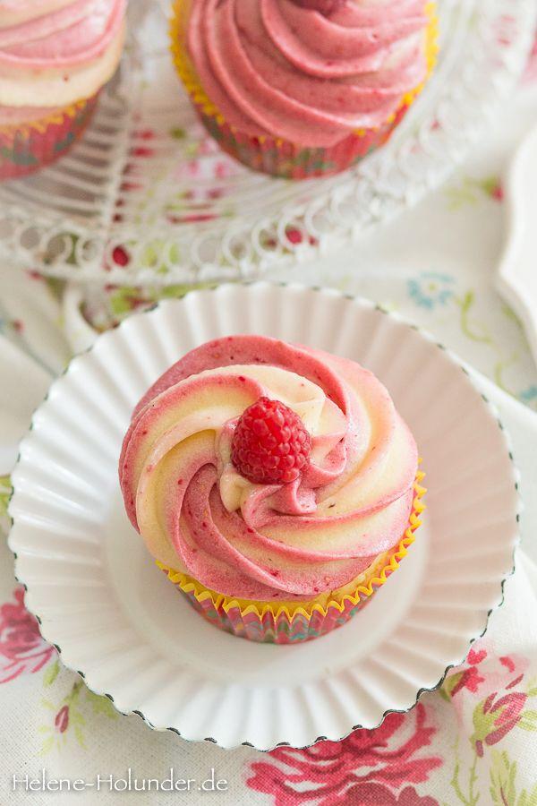 Cupcakes mit Himbeer-Firschkäsetopping, vegan, Helene Holunder