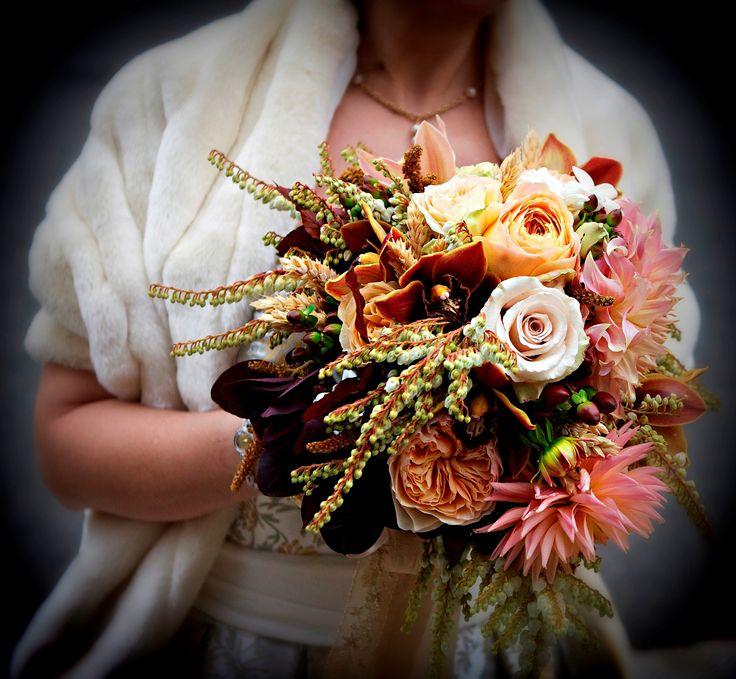 А#букетневесты #цветыдня #цвет #роза #букетвподарок #букетик #инстатаг #цветынасвадьбу #инстаграманет #подарок #цвета #розы #цветок #цветыцветы #цветет #цветочки #лепесточки #цветение #цветы #лепесток #цветыбезповода #цветочек #flowerstagram #flowersofinstagram #flowerslovers #instagramanet #instaflower #instaflowers #floweroftheday