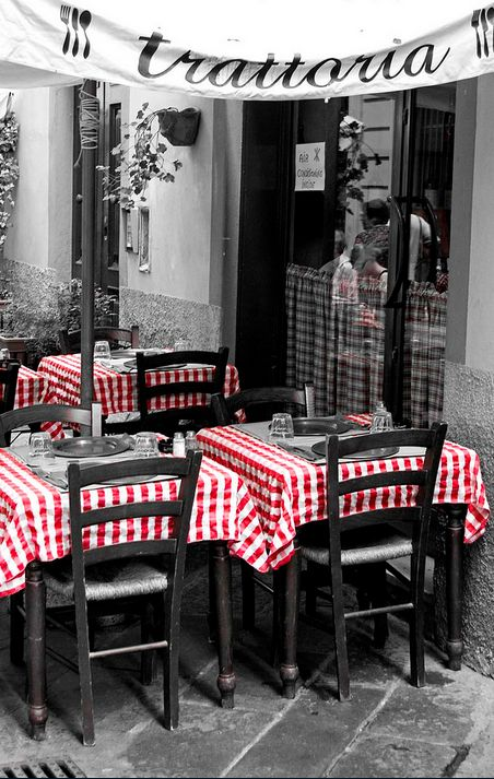 Trattoria in Lucca, Tuscany, Italy • photo:  Lumley_ on Flickr