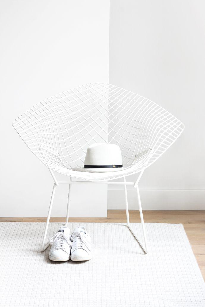 Minimal Harry Bertoia diamond chair   MyDubio