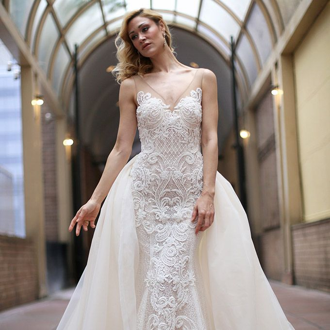Sarah Jassir's 2018 wedding dresses are all about immaculate details. Featuring exquisite beading throughout, highlighted by embroideries with elaborate motifs (think swans