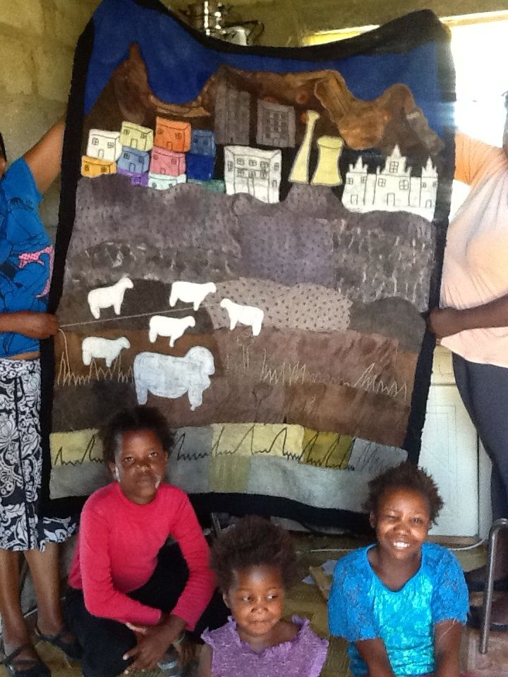 The Keiskamma Trust supports numerous families, through SA Merino wool felt art. Their latest work will be on the Cape Wools stand.