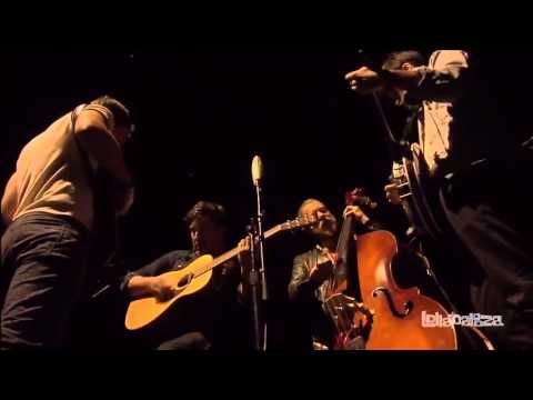 Mumford & Sons - I'm On Fire [Live at Lollapalooza 2013] - YouTube