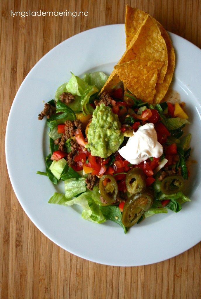 Lav FODMAP Taco. Det geniale med taco er at ingrediensene ofte serveres i separate skåler. Det gjør at du enkelt kan styre unna «magebøllene» med mye FODMAPs og de du spiser sammen med, kan fråtse i løk…