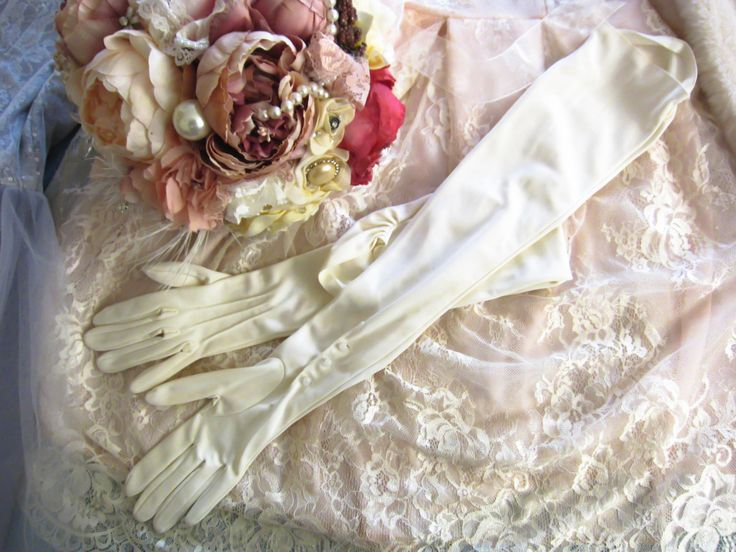 Vintage long length gloves, vintage wedding gloves, opera length gloves, Cornelia James gloves, Ivory gloves, bridal gloves, vintage wedding by thevintagemagpie01 on Etsy