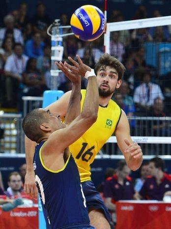 Serginho e a defesa brasileira fizeram uma partida quase perfeita  Foto: Marcelo Pereira/Terra