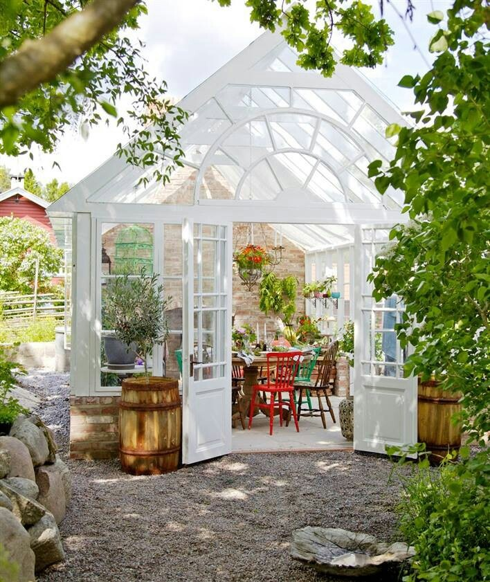 Would love a sun room one day. So versatile.