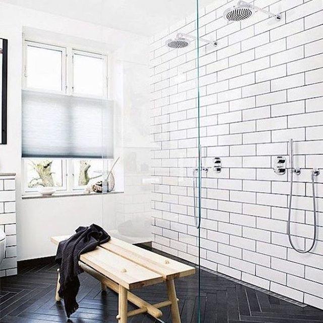 Stylist Mette Helena Rasmussen har lavet dette skønne badeværelse med Evers fliser https://www.instagram.com/retrovilla/