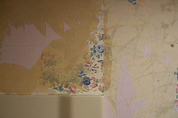 How to remove wallpaper glue from sheetrock home for Home wallpaper removal tips