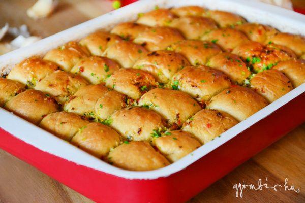Fűszervajas-fokhagymás kenyér á la Jamie Oliver