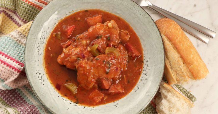 Lisas lite enklare version av en gumbo, delstaten Louisianas officiella maträtt, en typ av gryta med korv och kyckling.