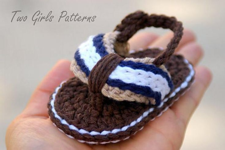 crochet baby sandals: Sporty Flip Flops for girls and boys by Two Girls Patterns on the LoveCrochet blog