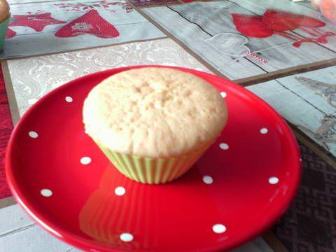 Mennyei Vanília pudingos muffin recept! Csuda-fincsi, piskóta jellegű tészta, vanília pudinggal.