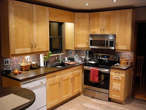 kitchen cabinet for small kitchen 25 best ideas about birch cabinets on maple 7828