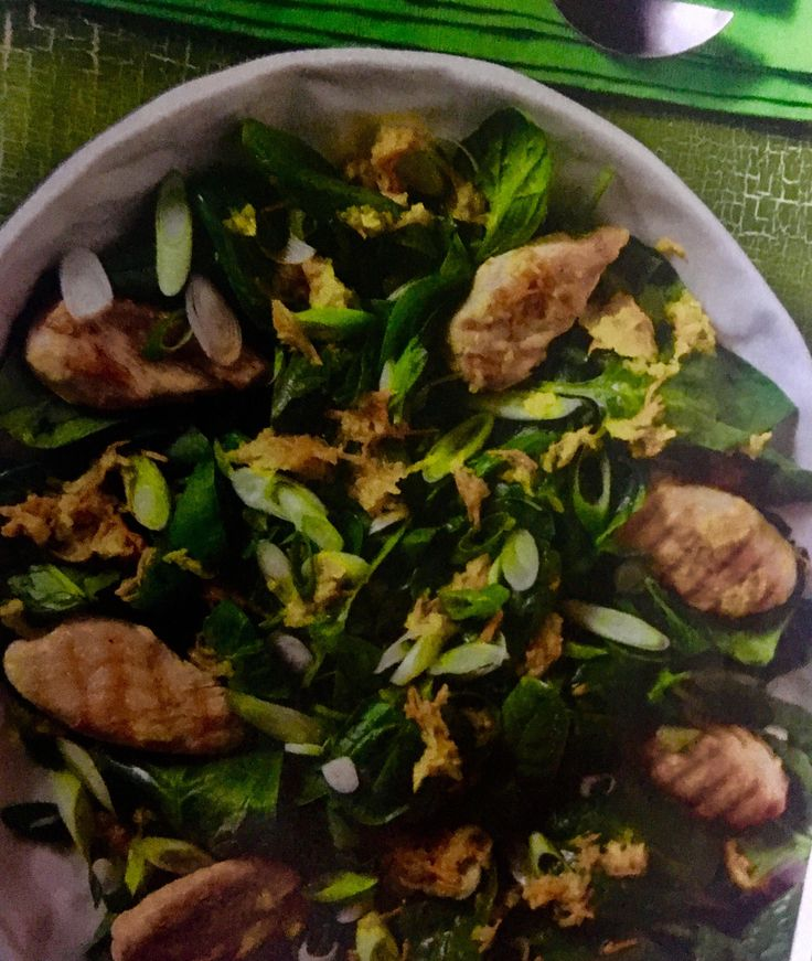 Σπανάκι με κοτόπουλο και σάλτσα καρότου (3 μονάδες) | Diaitamonadwn.gr