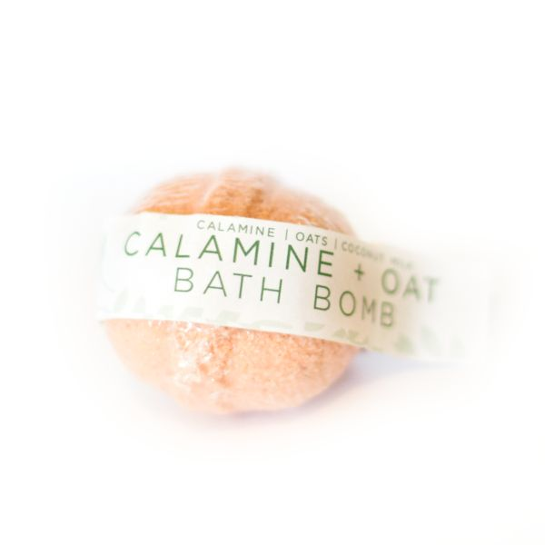 Calamine + Oat Bomb   Poepa Soap
