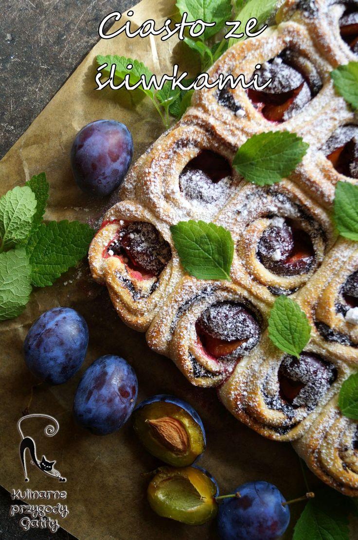 Kulinarne przygody Gatity: Drożdżowe ciasto ze śliwkami