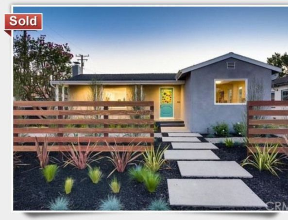 Frontyard Tiny Front Yard In 2021 Front Yard Landscaping Design Modern Front Yard Front Yard Patio