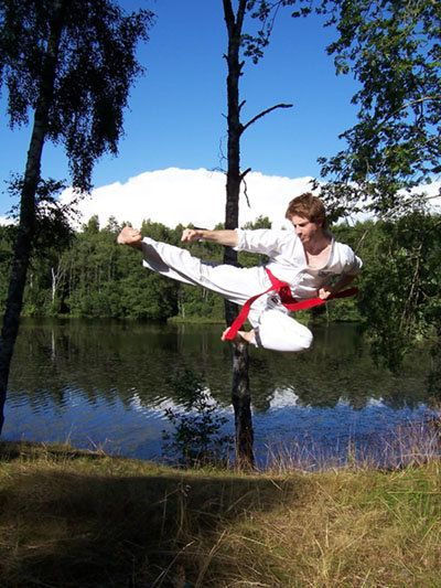 Jumping side kick in Sweden 2006  #taekwondo #taekwon #martialarts #kick #santiagopinto #ITF #flyingkick #sidekick #halmstad #jumpingkick