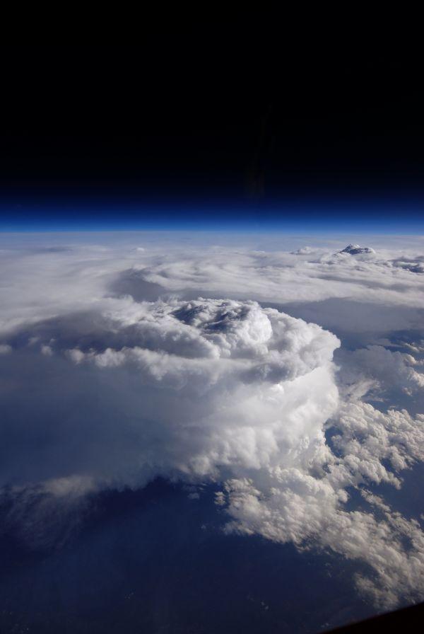 NASAの高高度観測機ER-2が5月23日に撮影した、アメリカ東北部に広がるアパラチア山脈上空で発生した降水セル(6月18日公開)。Photograph courtesy NASA / Stu Broce